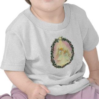 GUIRNALDA y ÁNGELES de SHARON SHARPE Camiseta
