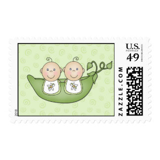 Guisantes de los gemelos en los sellos de la vaina