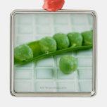 Guisantes verdes ornamento para reyes magos