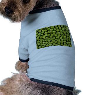 Guisantes verdes camisa de perro