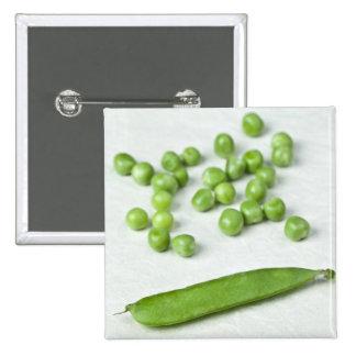 Guisantes verdes y cáscara pin