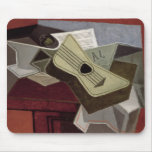 Guitar y Newspaper, 1925 Mouse Pads