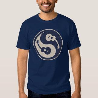 guitar-yang -blue shirt