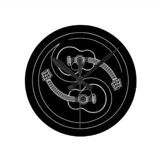 Guitar Yang Line Round Clock