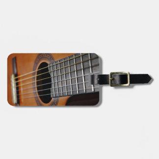 Guitarra acústica clásica etiqueta para equipaje