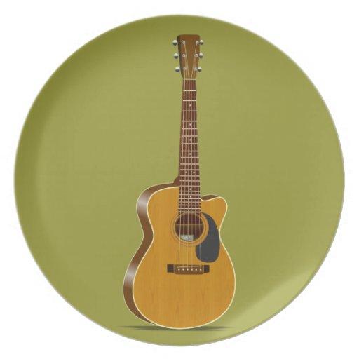 Guitarra acústica cortada plato