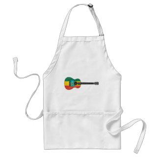 Guitarra acústica de la bandera etíope gastada delantales