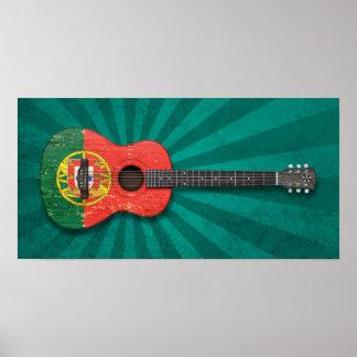 Guitarra acústica de la bandera portuguesa gastada poster