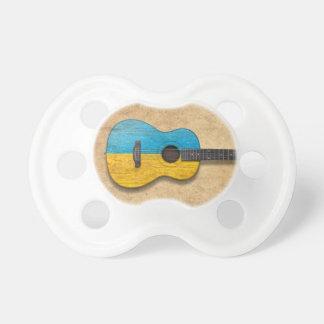 Guitarra acústica de la bandera ucraniana gastada chupetes de bebe