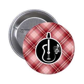 Guitarra acústica de la tela escocesa roja pin