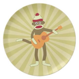 Guitarra acústica del mono del calcetín platos