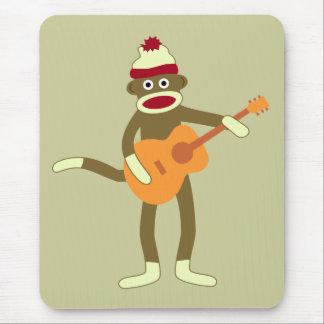 Guitarra acústica del mono del calcetín alfombrilla de ratón