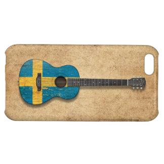Guitarra acústica envejecida y llevada de la bande