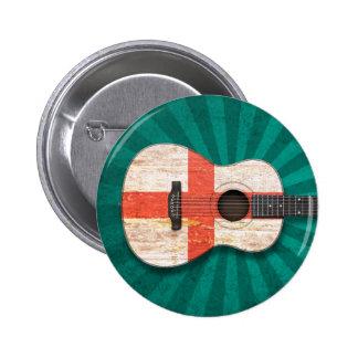 Guitarra acústica envejecida y llevada de la bande pins