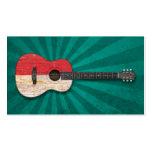 Guitarra acústica envejecida y llevada de la bande tarjetas de visita