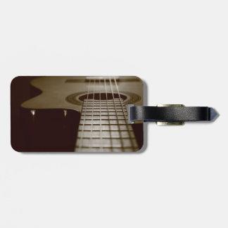 Guitarra acústica etiquetas maletas