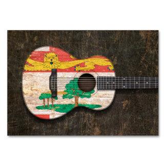 Guitarra acústica rasguñada de Isla del Principe E