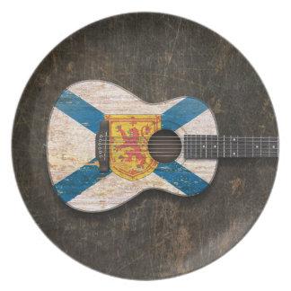 Guitarra acústica rasguñada de la bandera de Nueva Plato De Cena