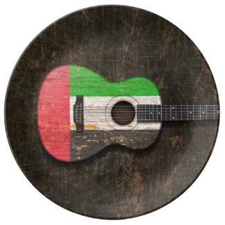 Guitarra acústica rasguñada de United Arab Platos De Cerámica