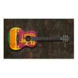 Guitarra acústica rasguñada y llevada de la plantillas de tarjetas personales