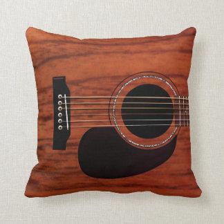 Guitarra acústica superior de caoba cojín decorativo