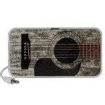 Guitarra acústica superior de madera vieja iPod altavoces
