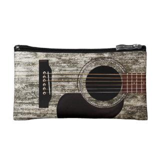 Guitarra acústica superior de madera vieja