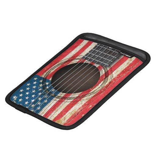 Guitarra acústica vieja con la bandera americana funda de iPad mini