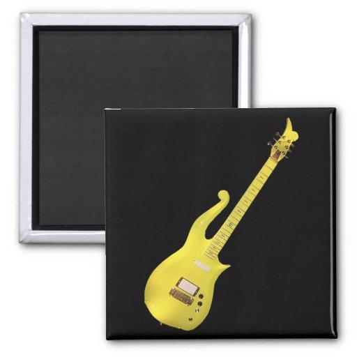 Guitarra amarilla de la nube diseñada por el artis imán