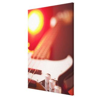 Guitarra baja 2 lona estirada galerias