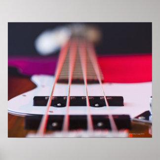 Guitarra baja 3 póster