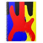 Guitarra baja que pinta colores brillantes abstrac cuadernos