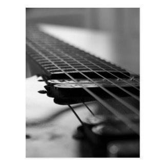 Guitarra blanco y negro postal