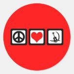 Guitarra del amor de la paz etiqueta redonda