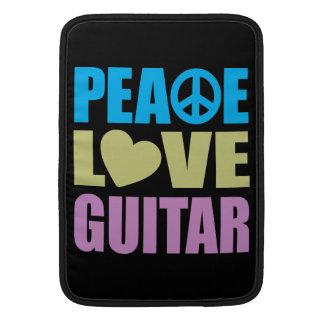 Guitarra del amor de la paz funda macbook air