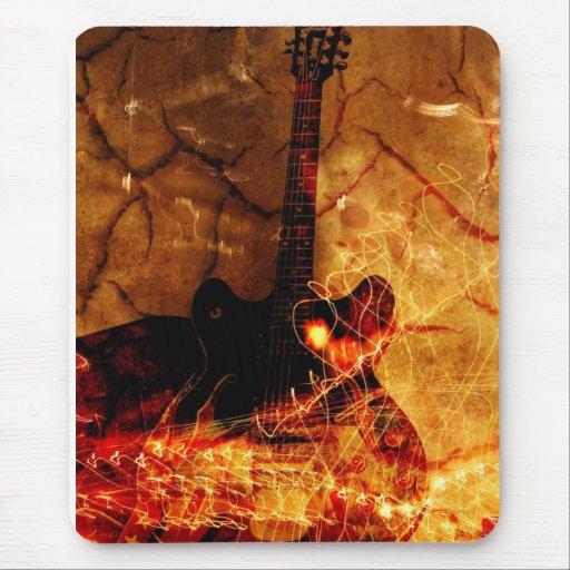 Guitarra del fuego alfombrilla de ratones