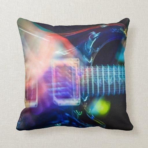 Guitarra eléctrica ardiente almohada