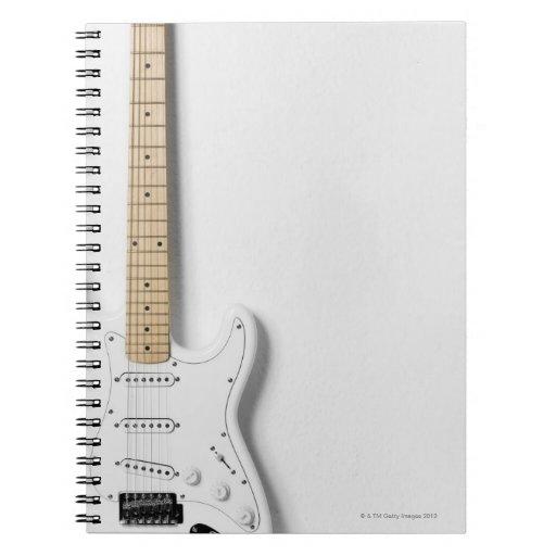 Guitarra eléctrica blanca 3 cuaderno