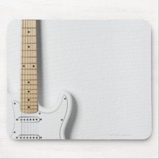 Guitarra eléctrica blanca 3 tapetes de raton