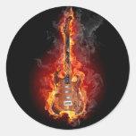 Guitarra llameante de la roca etiquetas