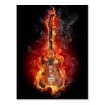 Guitarra llameante de la roca tarjetas postales