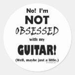 Guitarra obsesionada pegatinas redondas