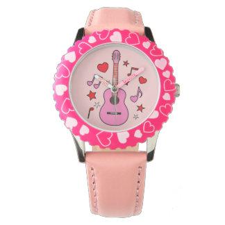 Guitarra rosada con los corazones y las Amor-Notas Reloj De Mano