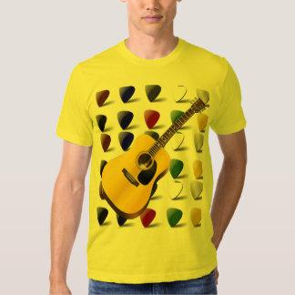 Guitarra y camiseta de las selecciones polera
