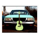 Guitarra y coche verdes postales