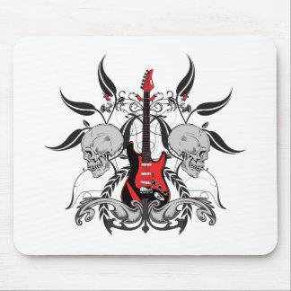 Guitarra y cráneo del Grunge Tapetes De Ratón
