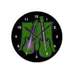 guitarra y green.png estilizado bajo reloj de pared