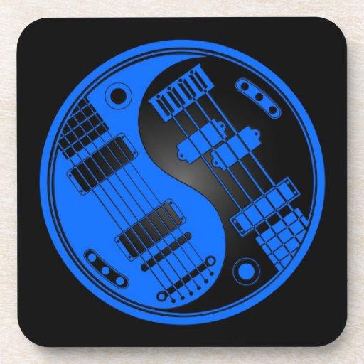 Guitarra y Yin bajo Yang azul y negro Posavasos De Bebidas