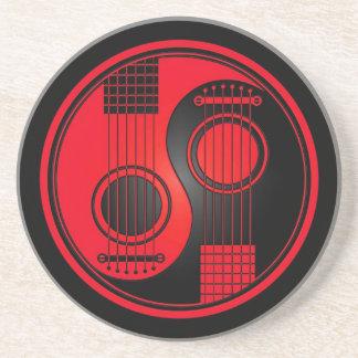 Guitarras acústicas rojas y negras Yin Yang Posavasos Diseño