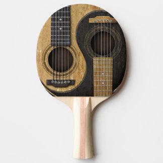 Guitarras acústicas viejas y gastadas Yin Yang Pala De Ping Pong